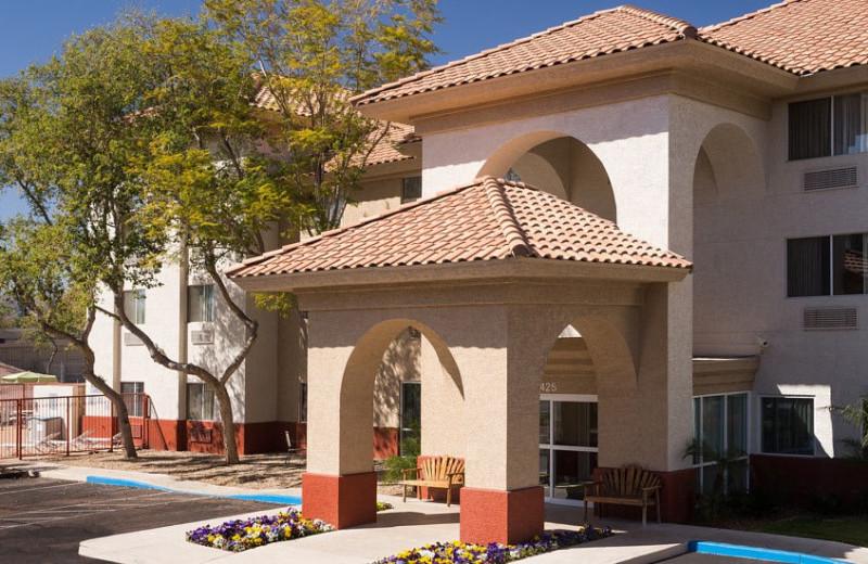 Exterior view of Fairfield Inn Phoenix Chandler.