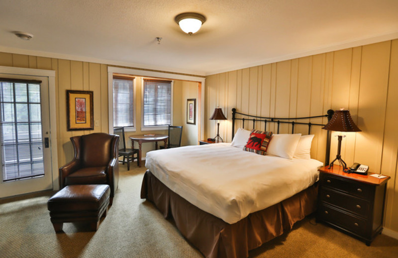 Cottage bedroom at Grand View Lodge.