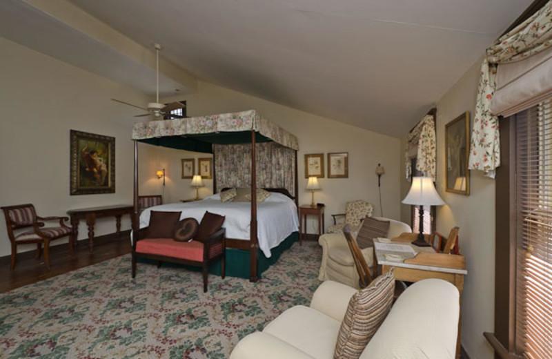 Honeymoon suite at The Pack House Inn.