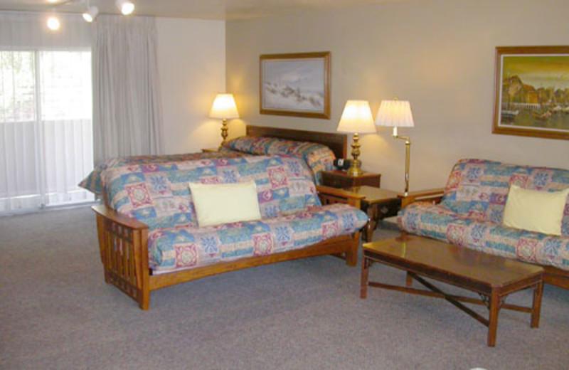 Suite Interior at Lone Oak Lodge
