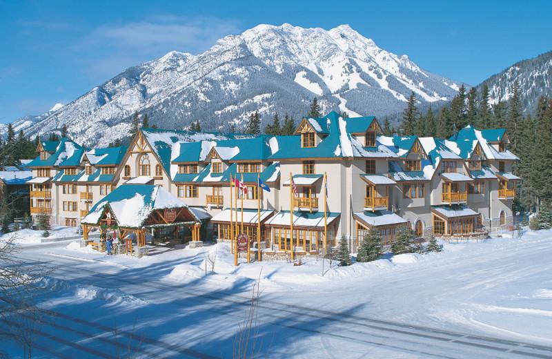 Banff Caribou Lodge & Spa -Exterior
