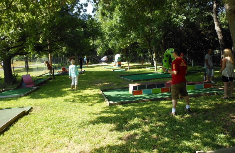 Games at Heart of Texas Lake Resort.