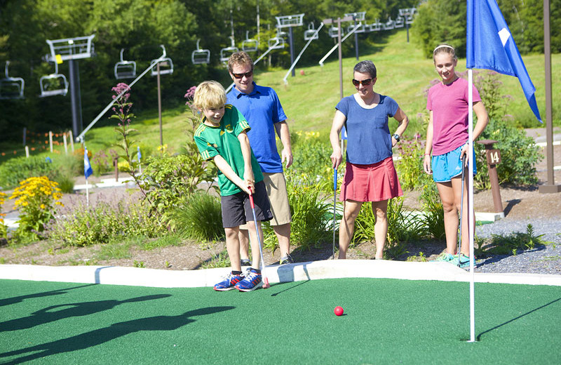 Mini golf near Sunapee Harbor Cottages.