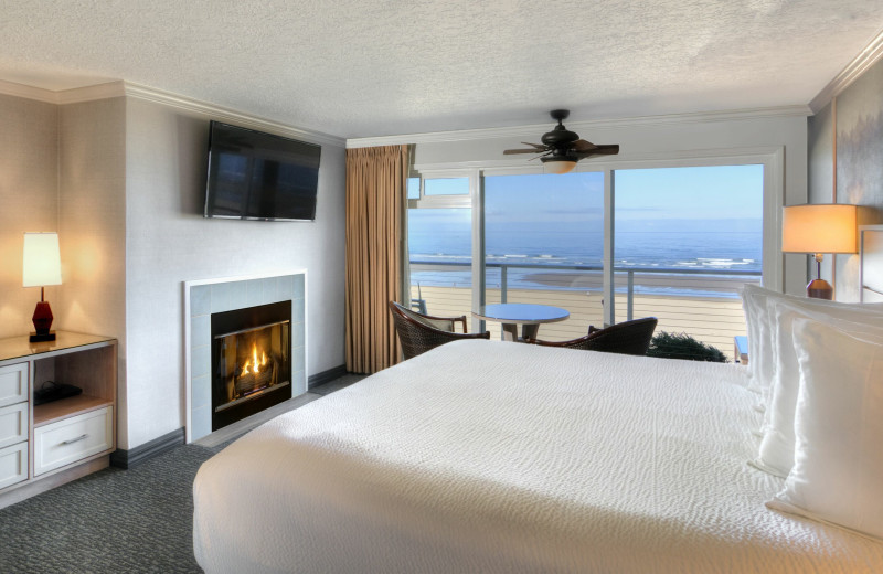 Guest room at Hallmark Resort & Spa Cannon Beach.
