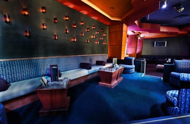 Blue Star Lounge at Marriott Desert Springs Resort