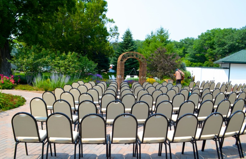 Wedding ceremony at The Leland Lodge and Conference Center.