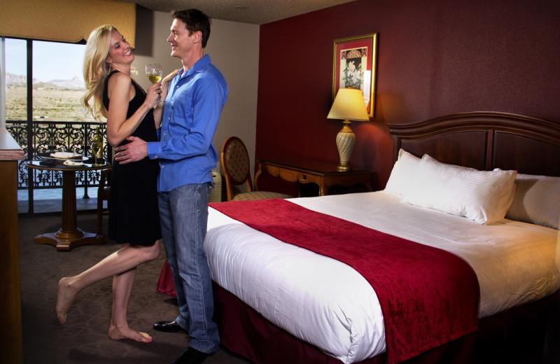 Guest room at Colorado Belle Hotel & Casino.
