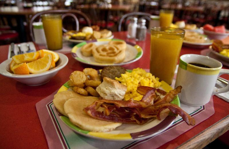 Breakfast at Clarion Inn Lake Buena Vista.
