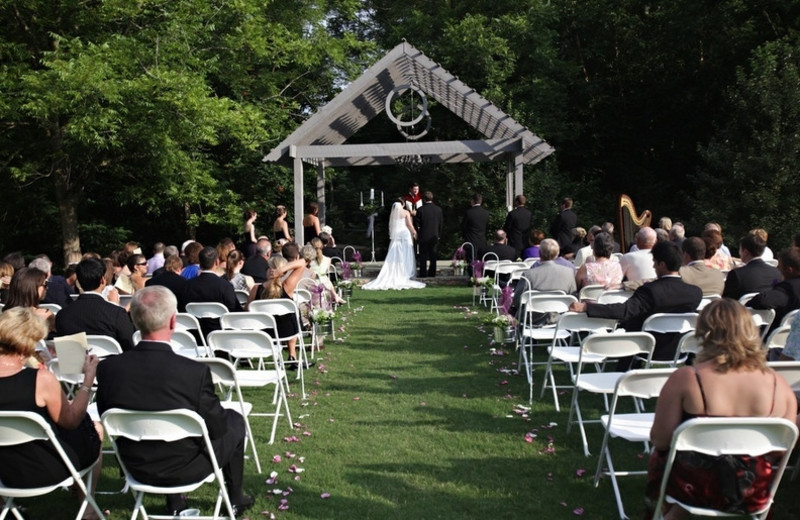 Outdoor wedding at James Madison Inn.