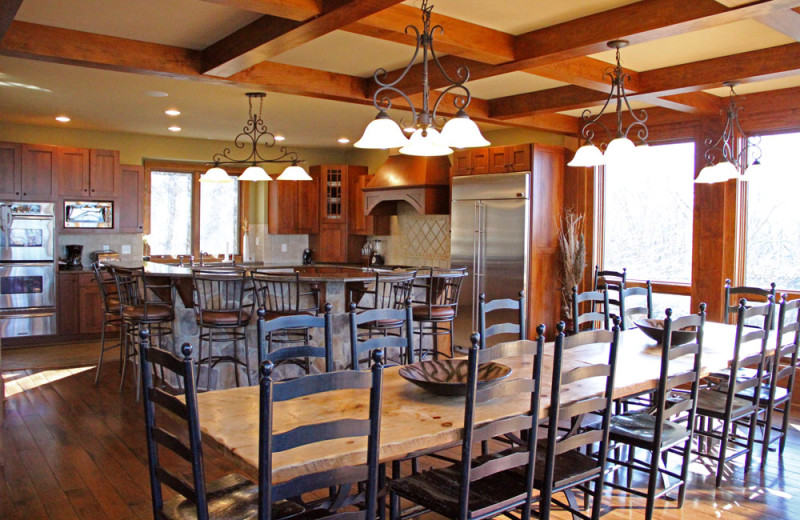 Retreat kitchen at Wintergreen Resort.