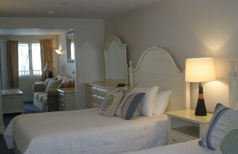 Guest room at Sheepscot Harbour Village & Resort.