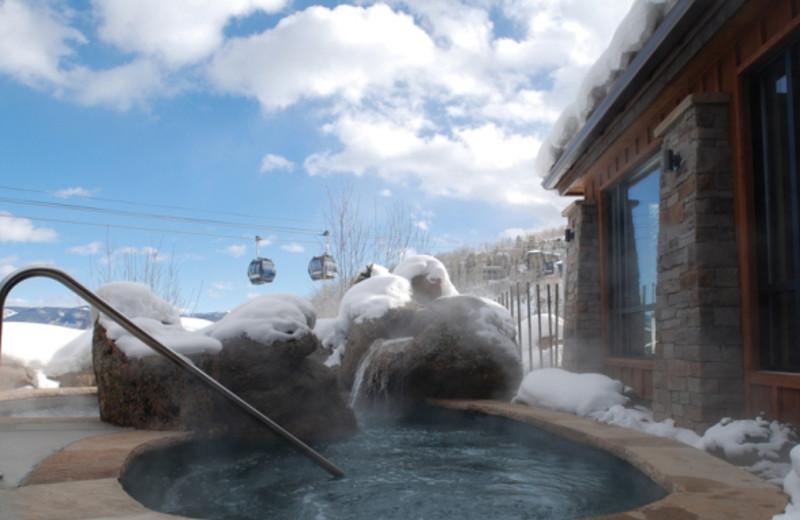Slopeside hot tub at The Crestwood.