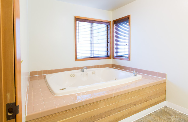 Guest hot tub at Westcliff Lodge.