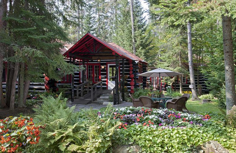 Exterior cabin view at Killarney Lodge.