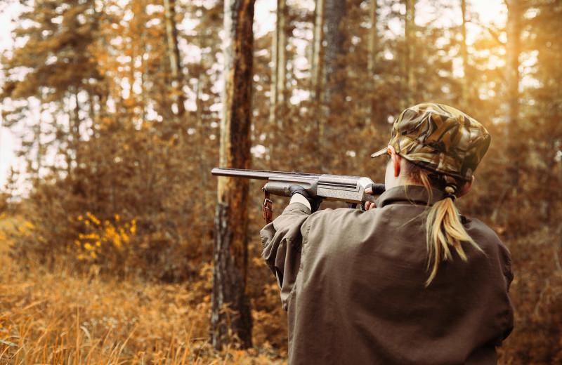 Hunting at Dogtooth Lake Resort.
