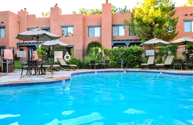 Outdoor pool at Bell Rock Inn.