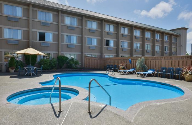 Outdoor pool at Clarion Hotel Federal Way.