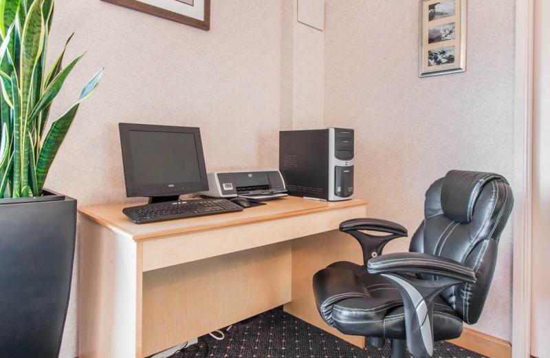 Computers at Surfrider Resort.