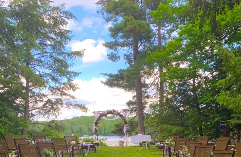 Weddings at Lakewoods Resort.