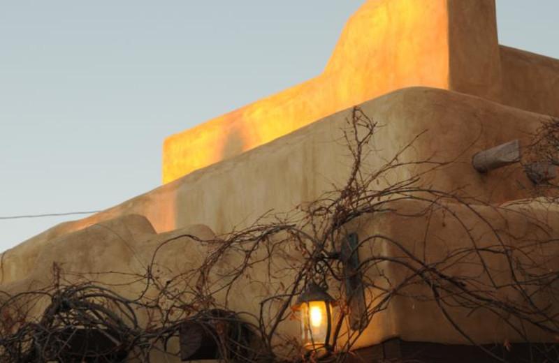 Exterior view of Inn on La Loma Plaza.