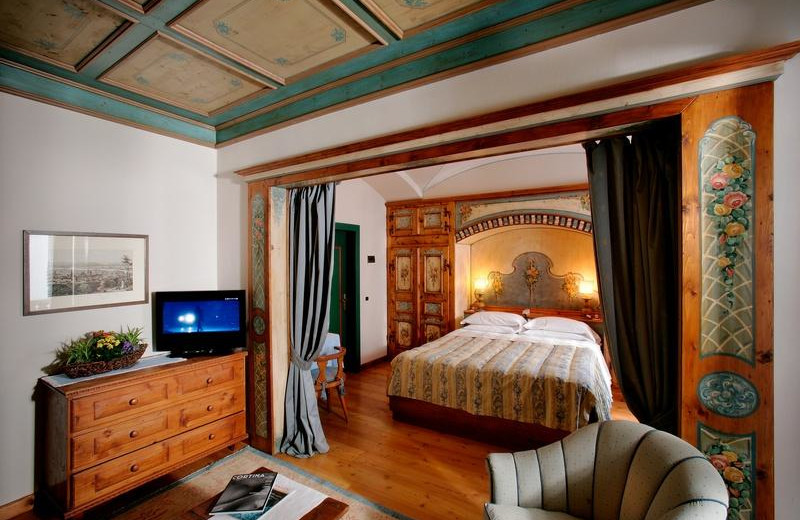 Guest room at Hotel Ancora.