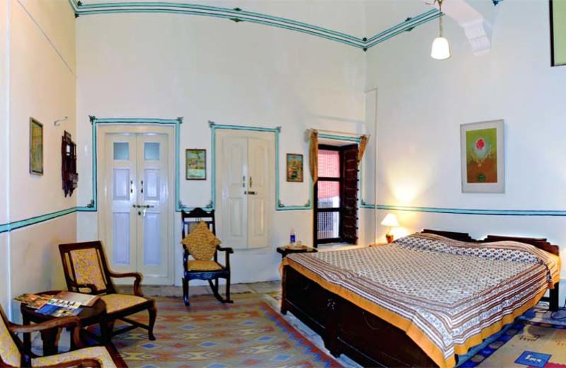 Guest room at Piramal Haveli.