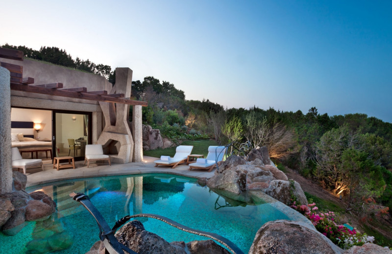Guest villa and pool at Hotel Pitrizza.
