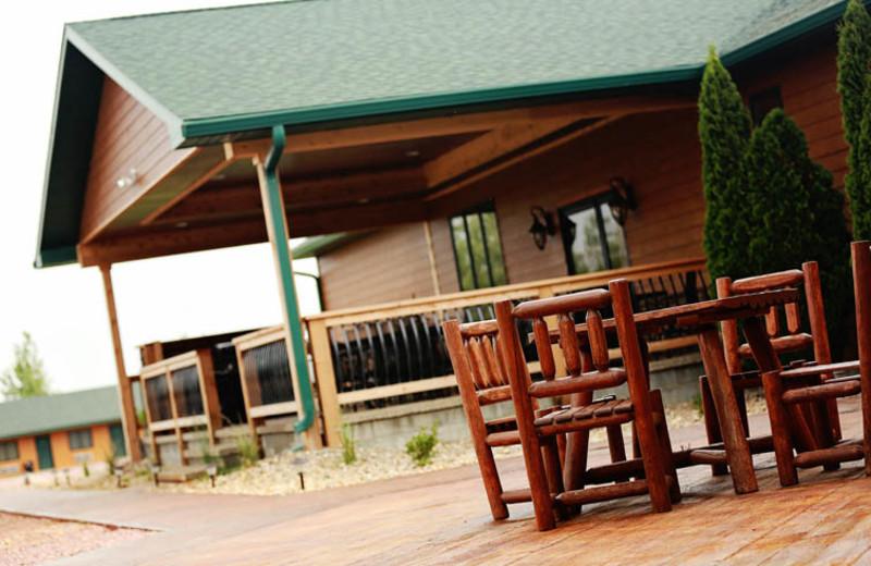 Exterior view of Granite Springs Lodge.