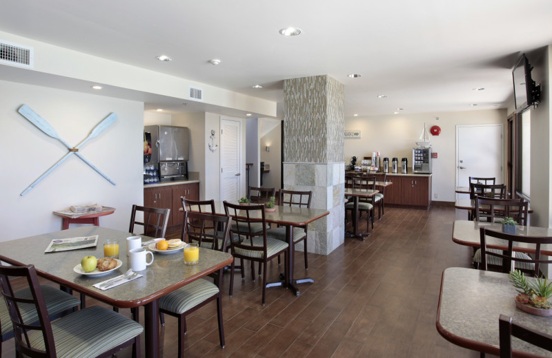 Dining at Best Western Plus Shelter Cove Lodge