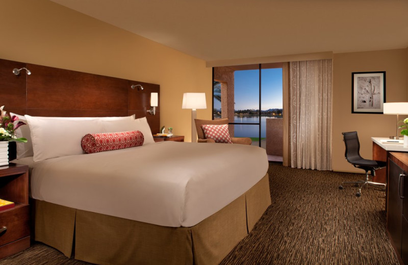 Guest room at The McCormick Scottsdale.