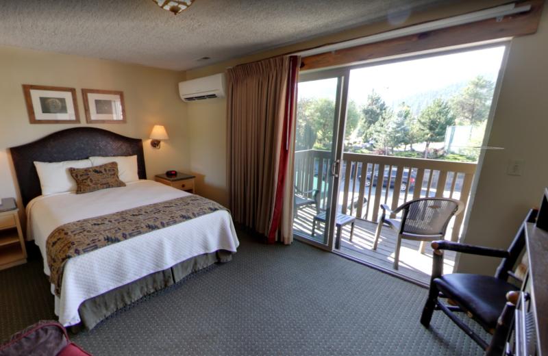 Guest bedroom at Stoneridge Resort.
