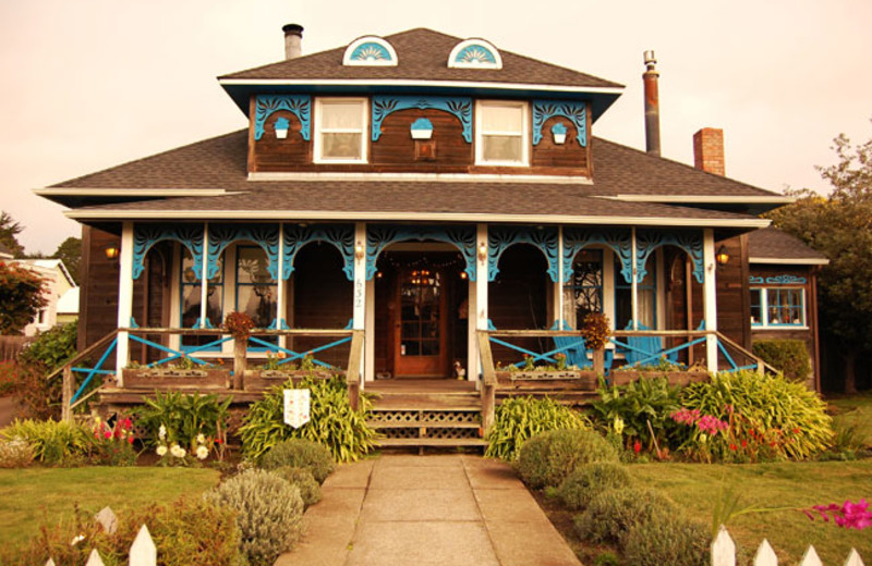 Exterior view of Country Inn Bed and Breakfast.