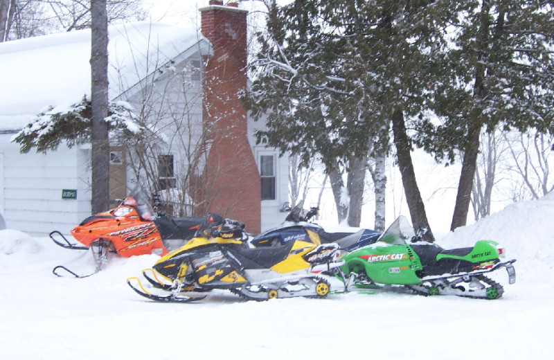Snowmobiling a tTally Ho Inn.