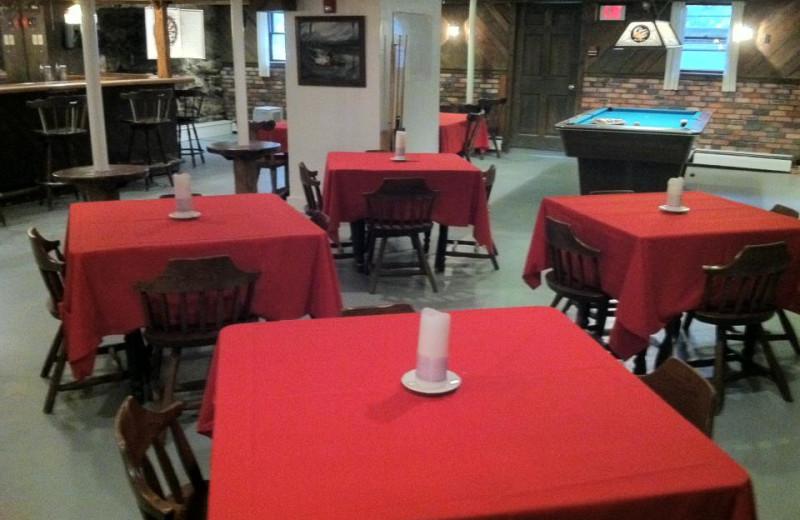 Restaurant Tables at Echo Lake Inn