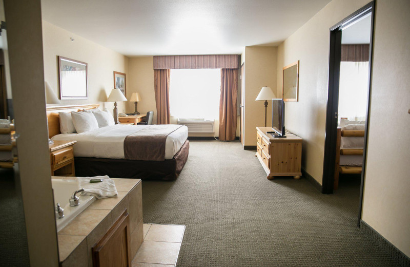 Guest room at Thumper Pond Golf Course & Resort.