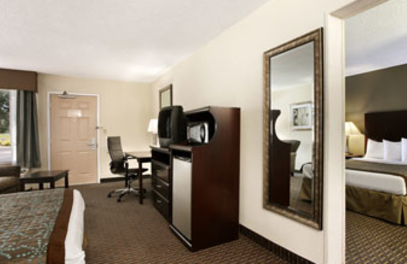 Suite at Baymont Inn & Suites Copley