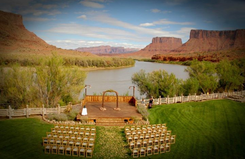 Wedding ceremony at Red Cliffs Lodge.