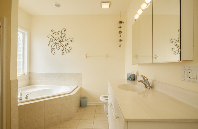 Rental bathroom at Oak Island Accomodations.
