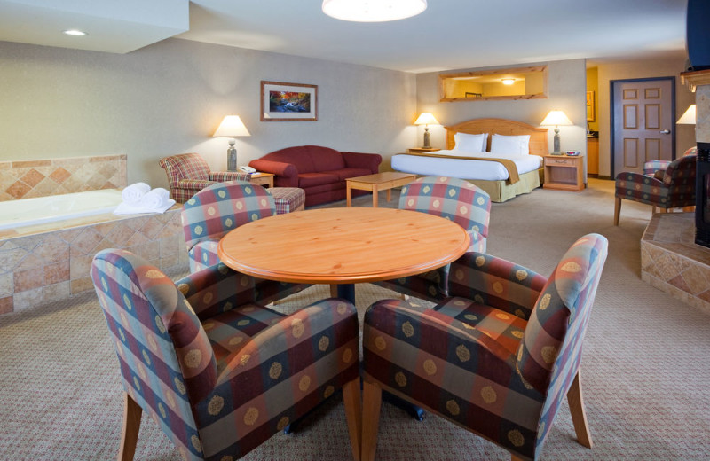 Guest suite at Holiday Inn Express Brainerd/Baxter.