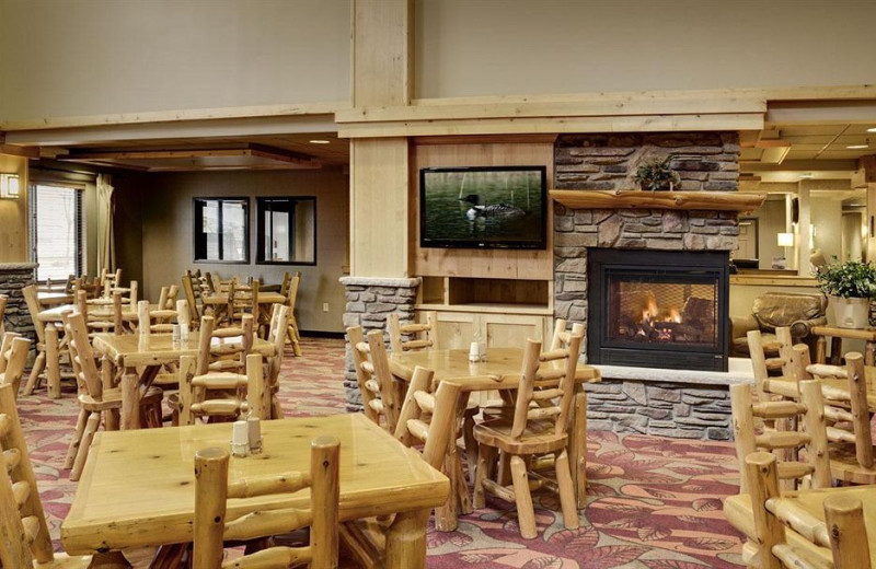 Lobby at Holiday Inn Express Brainerd/Baxter.