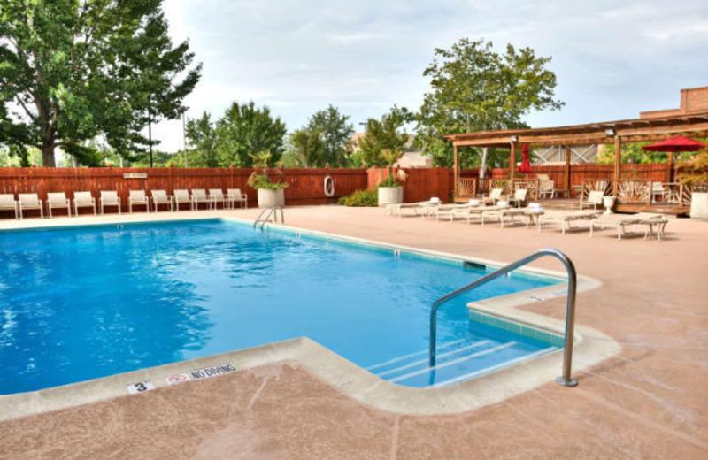 Outdoor pool at Columbus Marriott.