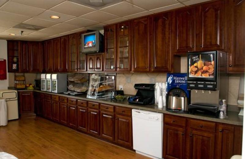 Breakfast room at Ocean Isle Inn.