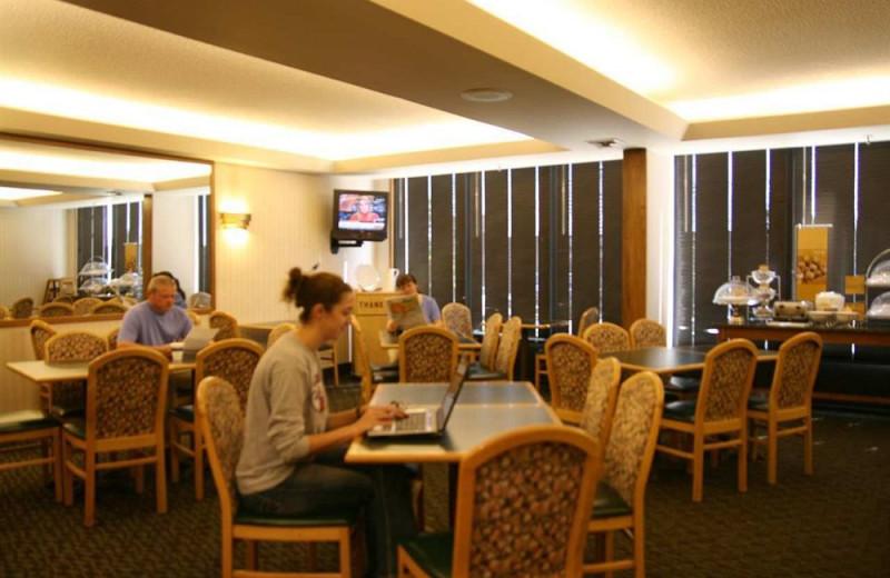 Dining room at Hampton Inn Cape Girardeau, MO.