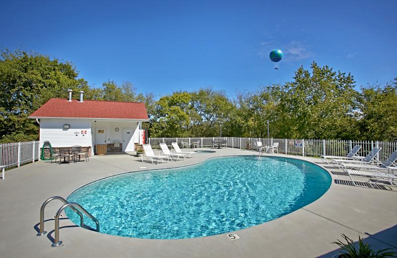 Pool at Appleview River Resort.