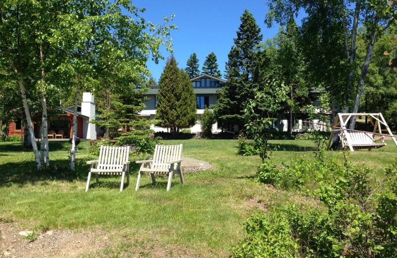 Exterior view of Thomsonite Beach Inn & Suites.