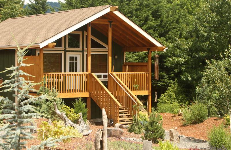 Exterior View of Carson Ridge Cabins
