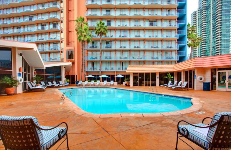 Outdoor pool at Wyndham San Diego Bayside.