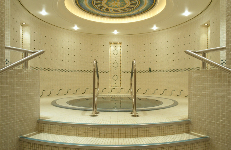 Jacuzzi at Kingsway Hall.