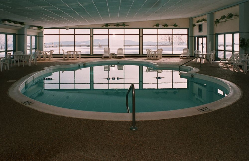 Indoor pool at Steele Hill Resorts.
