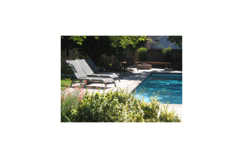 Outdoor pool at Valley Oak Inn.